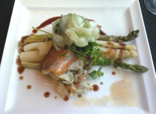 Lavaret and asparagus