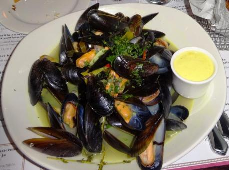Mussels at Pastis - reijosfood.com