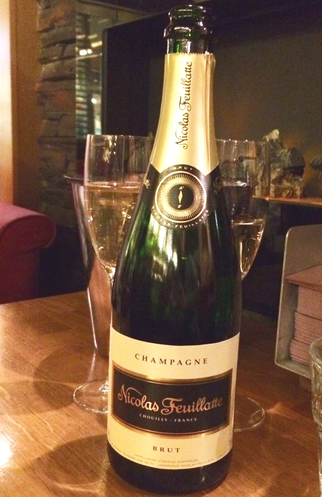 wine review champagne nicolas feuillatte brut keenly priced champagne in certain helsinki. Black Bedroom Furniture Sets. Home Design Ideas