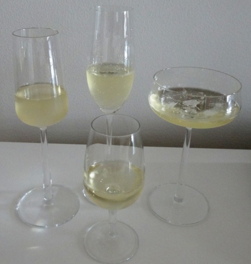 Champagne glasses - reijosfood.com