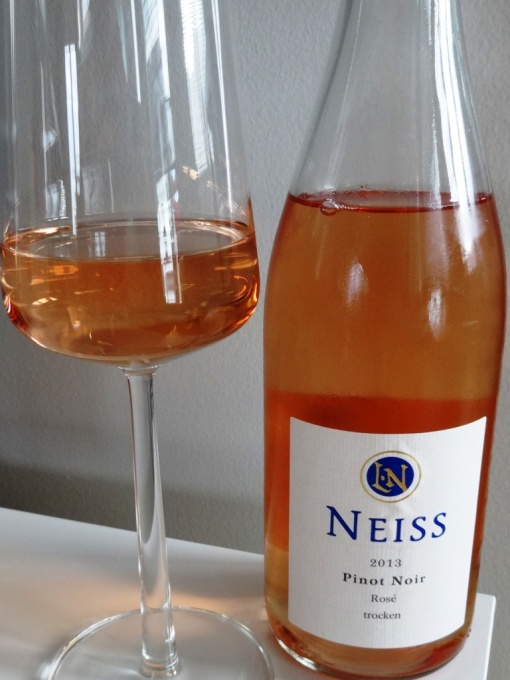 Neiss rose in the glass - reijosfood.com