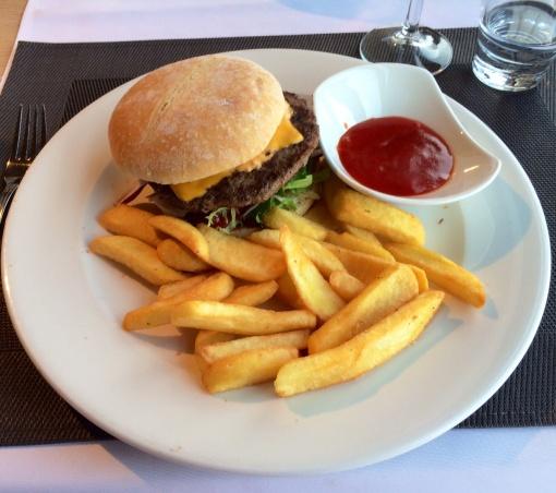 Burger at Blue Peter - reijosfood.com