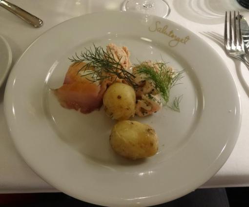Small fishes at Salutorget - reijosfood.com