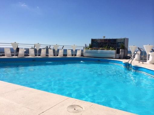 Rooftop pool - reijosfood.com