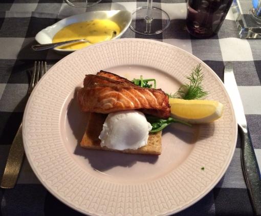Salmon at Strindberg - reijosfood.com